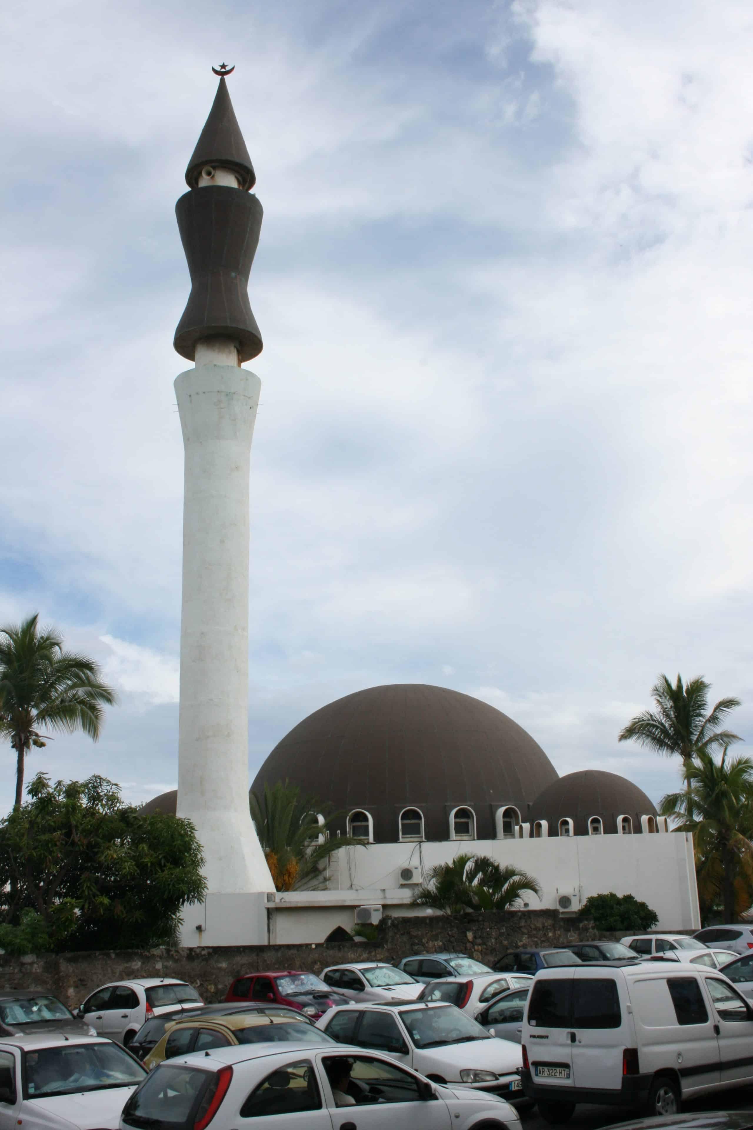 la r union la mosqu e de saint pierre f te ses 100 ans des d mes des minarets. Black Bedroom Furniture Sets. Home Design Ideas