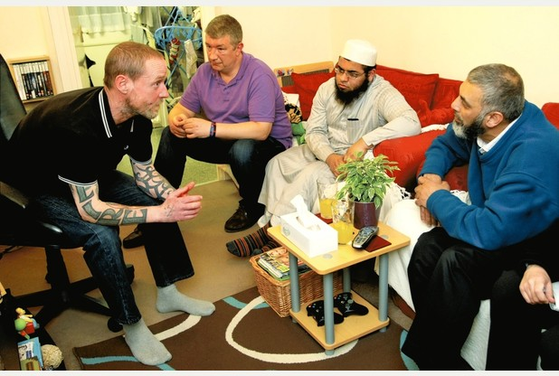 Un ex-membre de l'EDL s'excuse pour l'attaque d'une mosquée