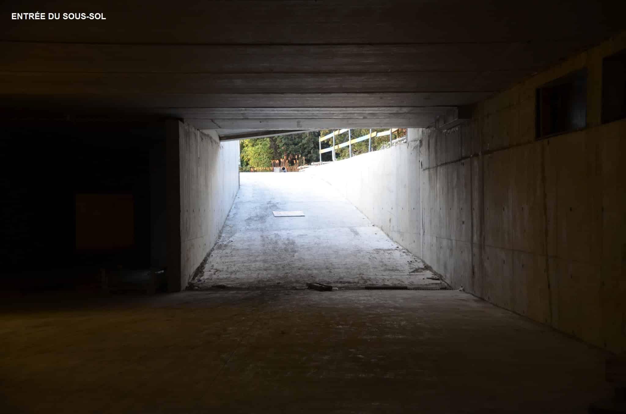 Enrée du sous sol du Centre Annour de Mulhouse