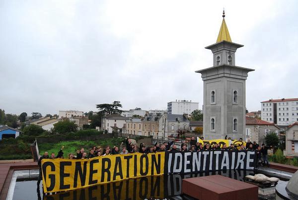 Invasion du chantier de la mosquée de Poitiers