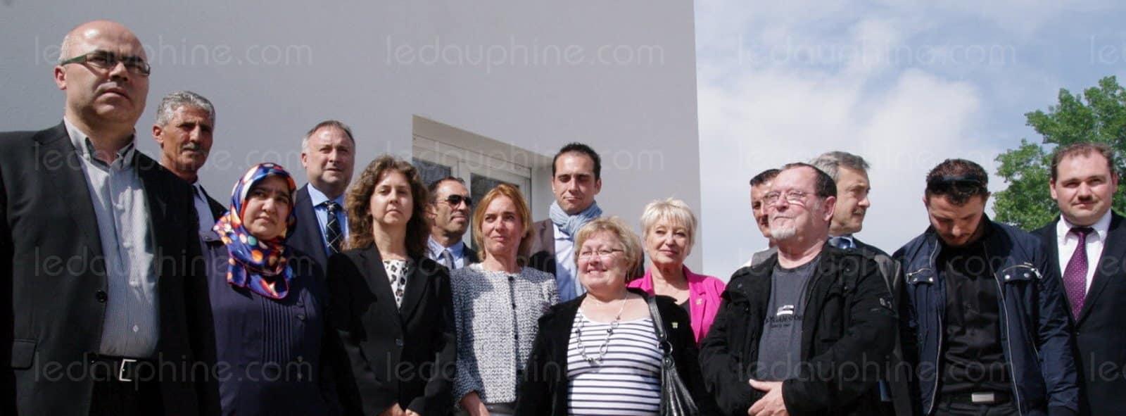 Insolite Quand le maire FN du Pontet posait la première pierre de la mosquée de sa ville