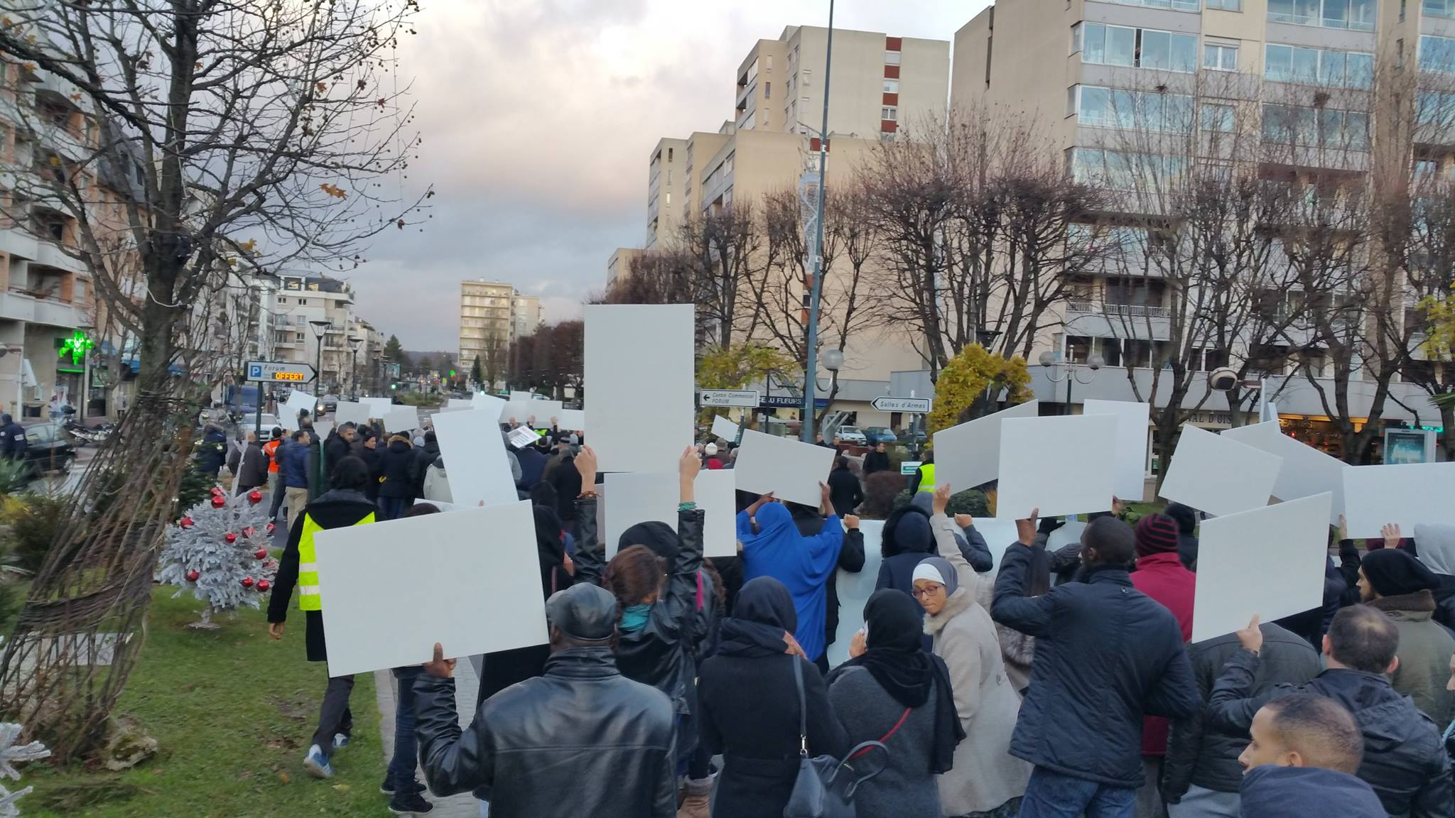 Forte mobilisation contre l'islamophobie à Saint-Gratien 10
