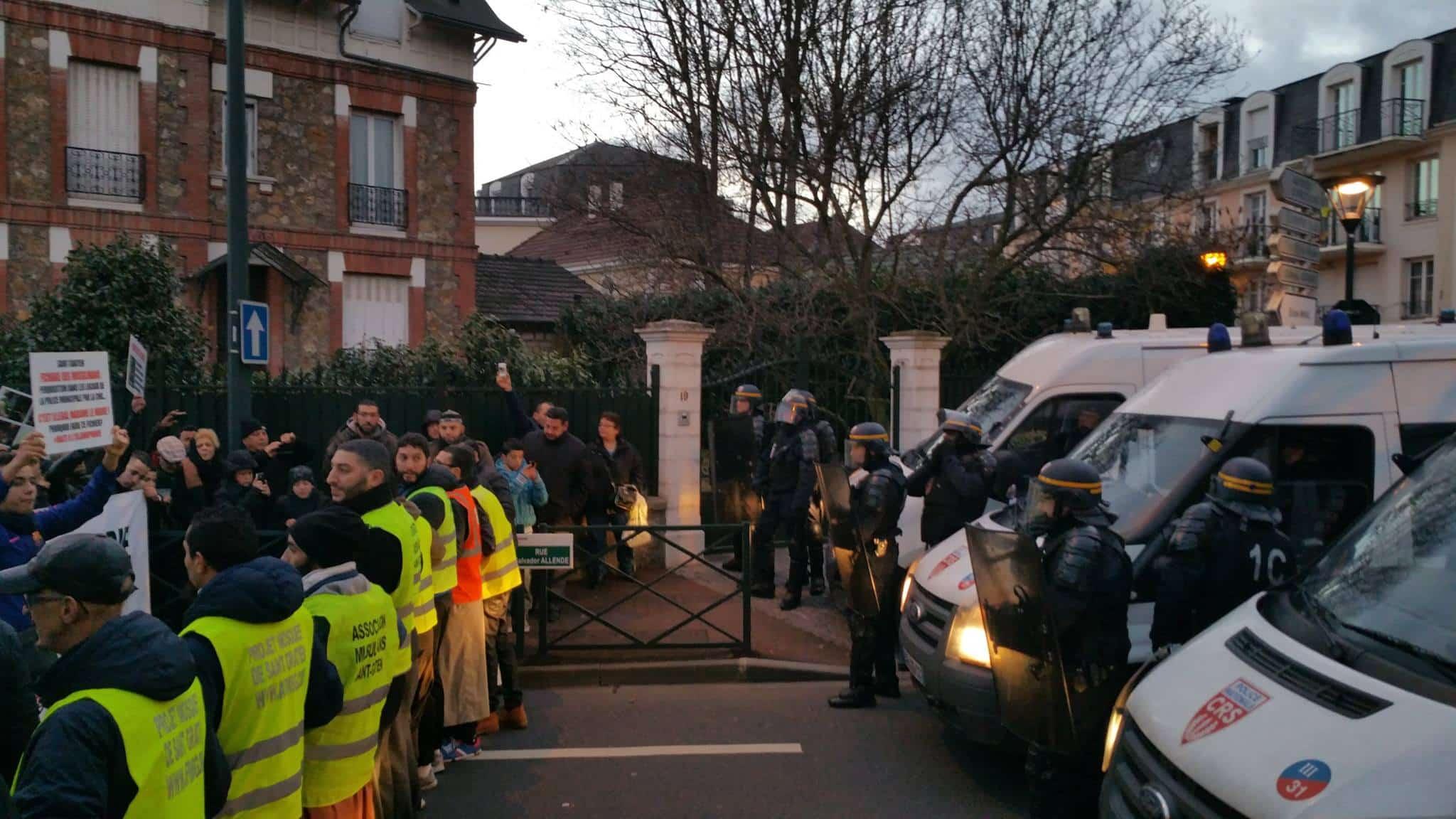 Forte mobilisation contre l'islamophobie à Saint-Gratien 13