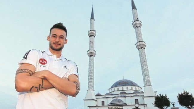 Le footballeur allemand Danny Blum se convertit à l'Islam 1