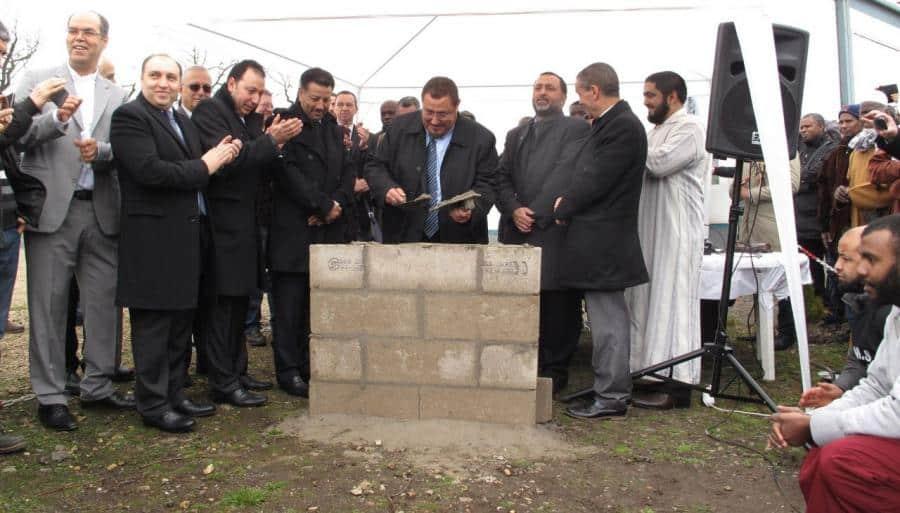 Une première pierre pour la mosquée d'Etampes