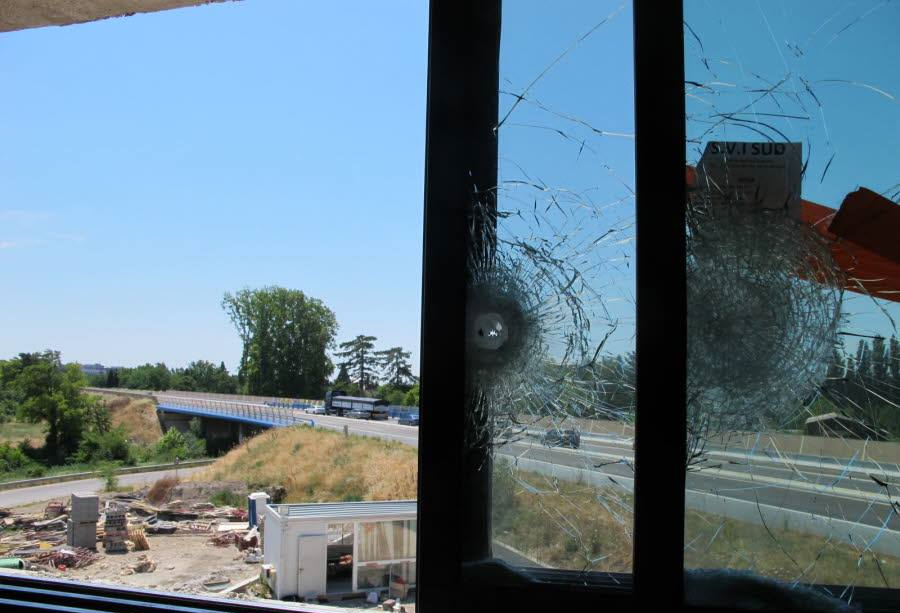 Tir à balles réelles contre une mosquée de Carpentras