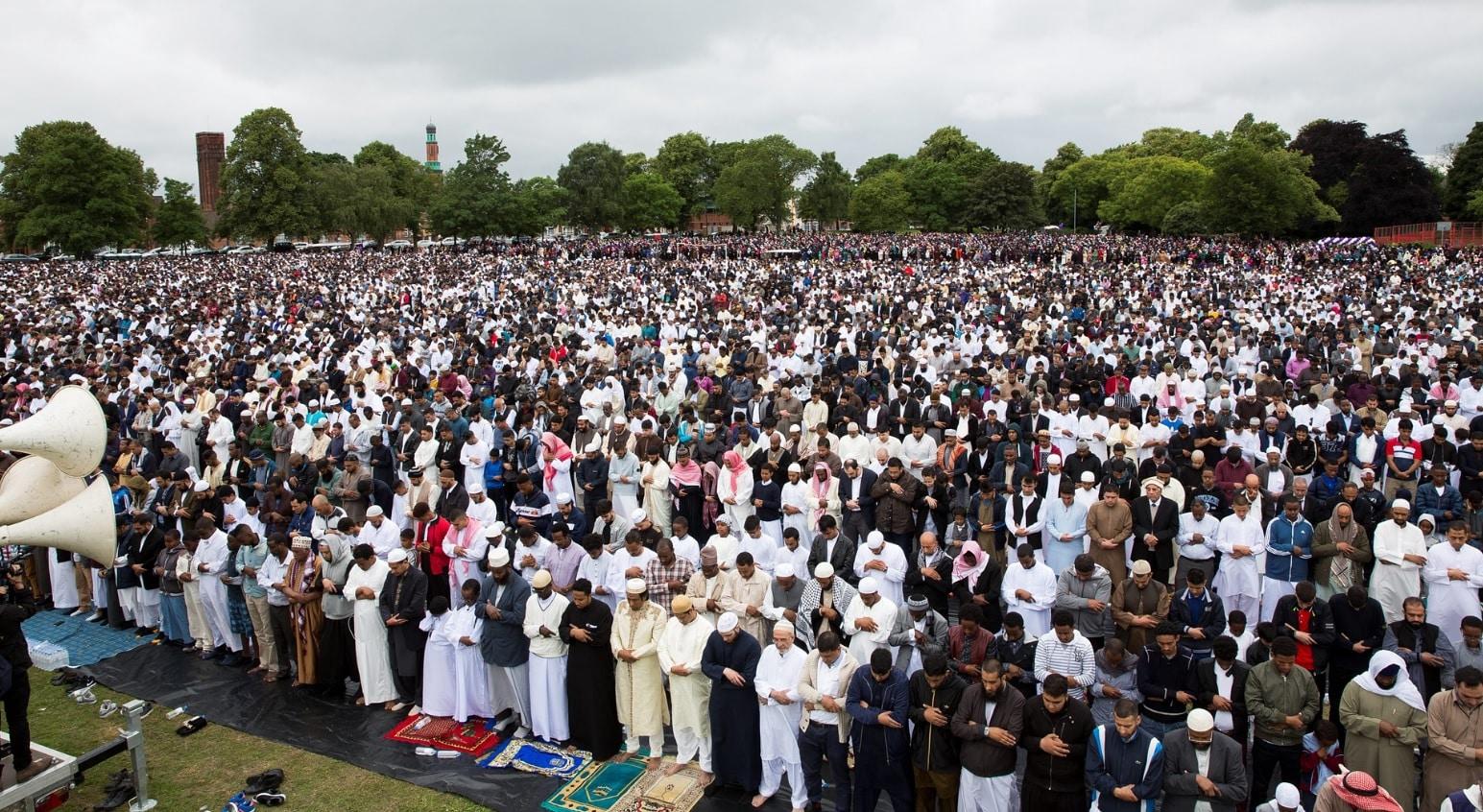 60000 musulmans se rassemblent à Birmingham pour la prière de l'Aïd El Fitr