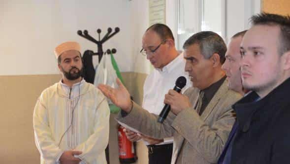 Steeve Briois à la mosquée Ennasr