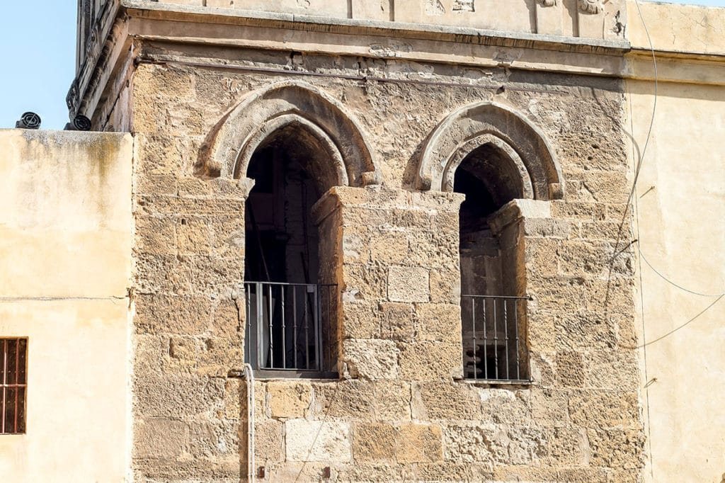 Bas du minaret mosquee Ibn Adabbas Seville